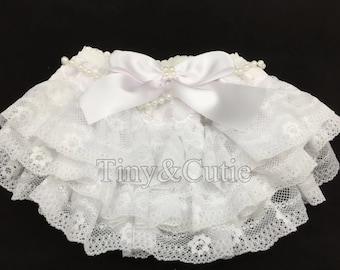 Baby Girls white Ruffled Bloomers Newborn-3/6 months !