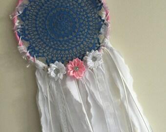 Dreamcatcher pink blue & white