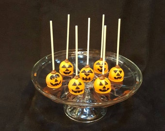 Pumpkin and Candy Corn cake pops.