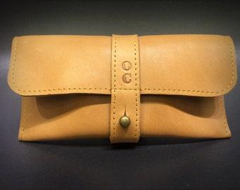 Leather case camel full-grain