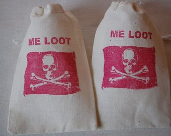 10 Me Loot Skull and Crossbones Jolly Roger muslin cotton party favor bags 4x6 inch - you choose ink color and bag size