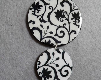 Black and white damask pattern handmade necklace