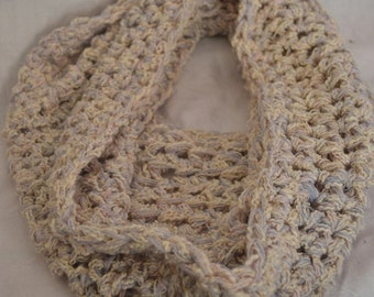 Chunky crochet cowl, infinity scarf, chunky crochet scarf, gift for her, cosy warm snood, soft warm neck cosy, exclusive yarn mix, oversized