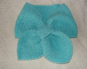 Short hand, tie scarf wool.