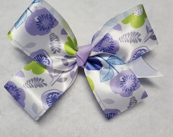Girls Flower Hairbow, Floral hairbows, Toddler flower bow, Spring hairbows, purple hairbows, Girls pastel hairbow, lavender hairbow