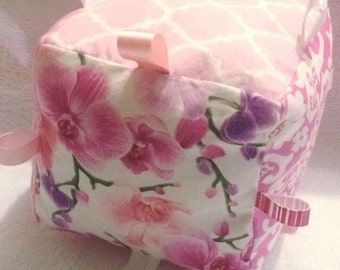 Taggie Cube - Pink Patterns