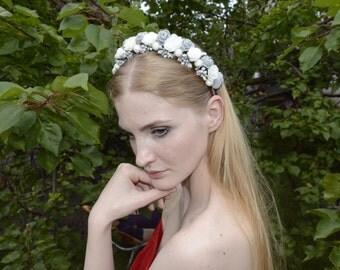 Grey and White Flower Hair Crown, Wedding floral crown, Bridal hair accessories, White flower crown, wedding floral wreath, bridal headpiece