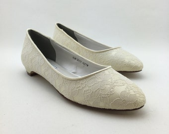 Ivory Lace Bridal Flat, Wedding Flat, Bridesmaids Flat, Lace Wedding Shoes, Ivory