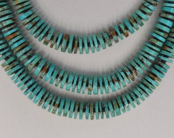 Vintage Native American 3 Strand Graduated Wheel Heishi Turquoise Beads Necklace