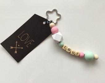 Personaliesiert crochet beaded pastel keychain