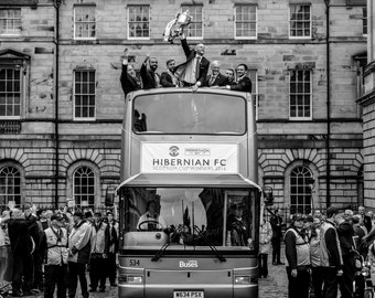 Hibernian FC Scottish Cup Victory Bus print