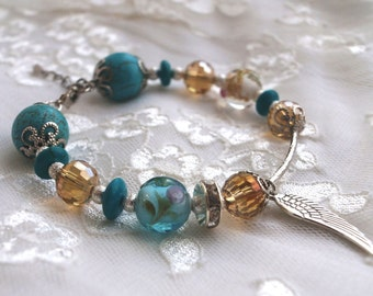 Bracelet with howlite and lampwork