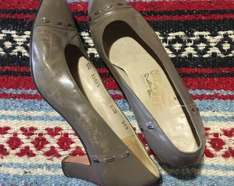 Vintage Salvatore Ferragamo Pumps 8.5