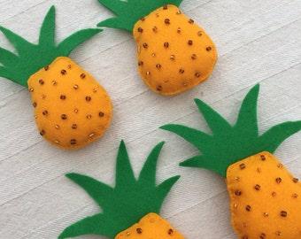 Handmade felt pineapple bunting / garland / wall hanging