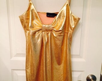 Gold metallic top, size medium