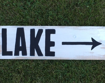 Lake Sign, LAKE with Arrow Sign, Lake House Sign, Lake House Decor, Reclaimed Wood Sign, Personalized Gift, Reclaimed Wood Lake House Sign