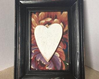 Black Distressed Frame w/Heart