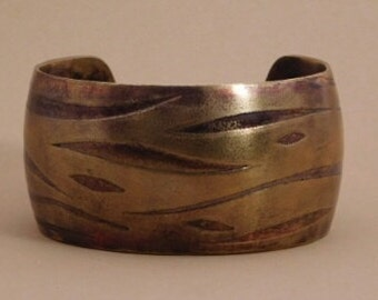 Etched Tiger Print Nugold Cuff