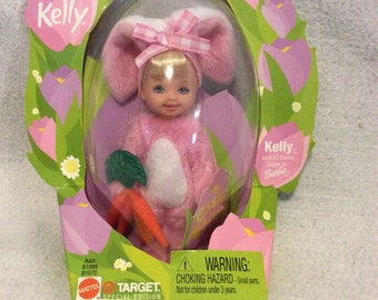Kelly as li'l bunny sister of barbie