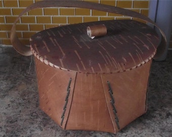 First Nations ( Iroquois ), Folded Birch Bark Basket / Container