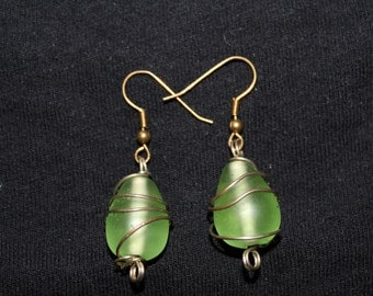 Excuisite Green & Gold Wire Earrings