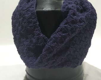 Hand Knitted Cowl - Checkered Pattern