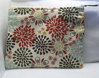 Floral zippered purse, stylish flowery bag, cosmetic bag