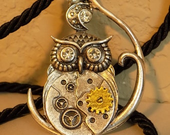 Necklace-Steampunk owl with rhinestones