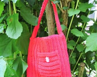 Pink crocheted purse w/ pink leopard lining