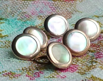 Vintage metal and shell buttons.   Set of 6.  1.5 cm.  Beautiful.