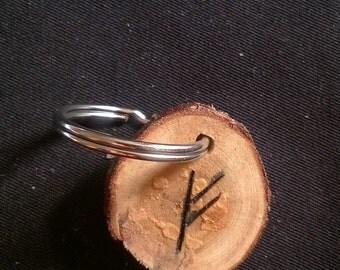 Fehu rune keyring in Yew for wealth