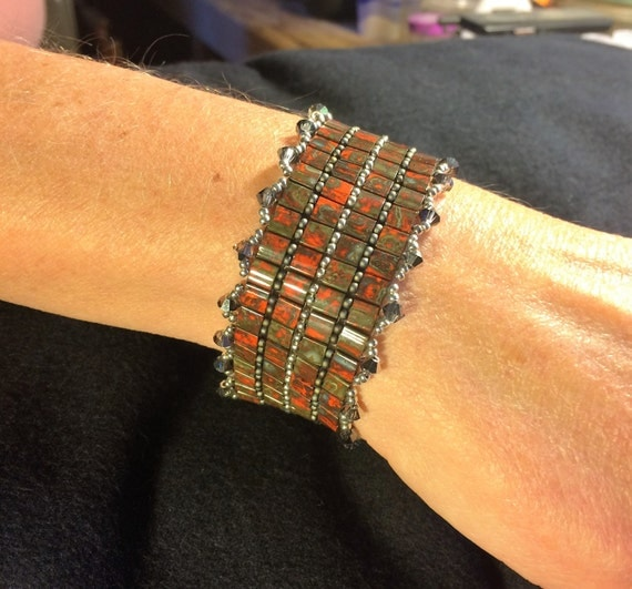 NO 79 Hand woven crystal and glass beaded bracelet
