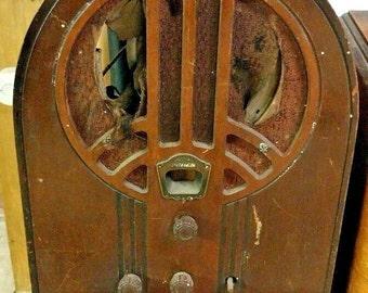 Vintage philco tube radio superheterodyne