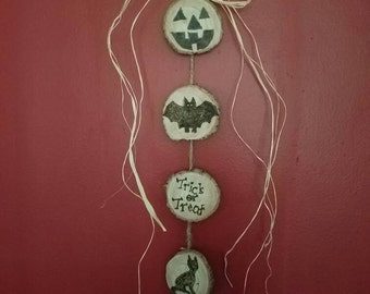 Trick-or-treat hanging wall decoration