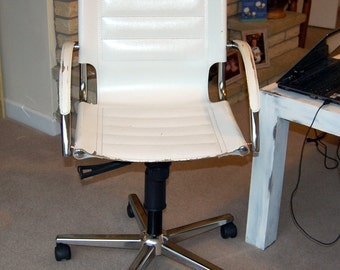 Retro look office chair