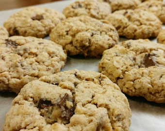 LACTATION COOKIES || Homemade Lactation Cookies || Milk Cookies || Milk Chocolate Dark Chocolate Oatmeal Cookies (1 Dozen)