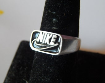 Nike Ring 925 silver with black enamel or red