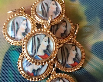 VIRGIN MARY MEDAL 1960s Tiny Vintage