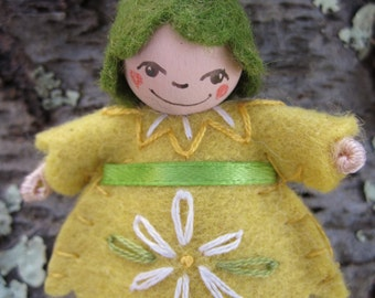 Daisy Flower Pixie Art Doll