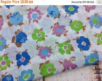 40% OFF FLASH SALE- Vintage Floral Fabric-Light Weight Fabric-Floral Bouquets