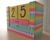 Perpetual Calendar - Month and Day - Bright Rainbow Hexagons
