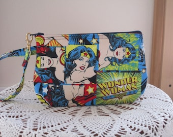 Clutch Zipper Wonder Woman Gadget Pouch Wristlet Smart Phone Bag SuperHero DC