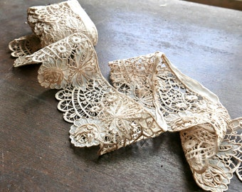 Antique Lace With Dimensional Roses