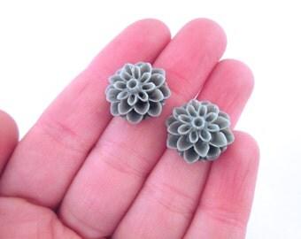 grey 15mm flower mum cabochons gray resin chrysanthemum cabs