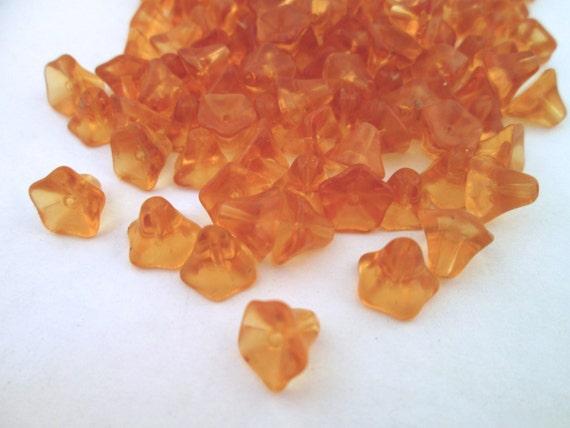 12 golden yellow glass trumpet beads, (6x9mm) TS9
