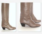 80s Riding Boots Tan leather Boots  Womens  Knee High Boots SZ 8.5B