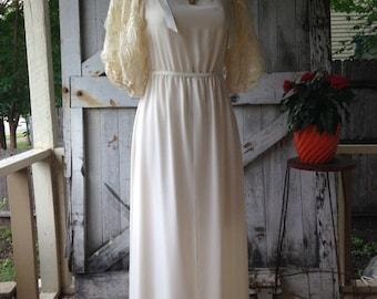 Sale 1980s wedding dress size small medium 80s maxi dress Vintage dress bohemian wedding ivory dress