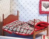 Miniature dollhouse quilt red green