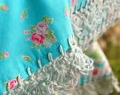 pillowcase with crochet trim  -  Petit Bouquet (turquoise)