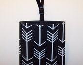 Car Litter Bag // Auto Litter Bag // Auto Trash Bag // Stay Open Design! // Arrows // Black
